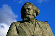 Karl Marx'ın Macaristan'daki son heykeli de söküldü