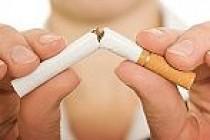 Sigara göbek yapıyor