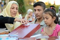 Taksim'de 'huzurun fotoğrafını' Ara Güler çekti