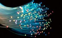 Atomlar elektronlarıyla ışık hızına yaklaştı