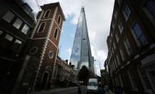 İngiltere'de hizmet sektörü rekor seviyede daraldı