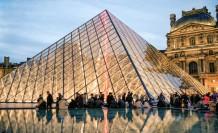 Louvre Müzesi yeniden açıldı