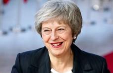 Theresa May güvenoyu aldı ama Brexit krizi sürüyor