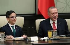 Erdoğan'ın koltuğuna Ozan Sözeyataroğlu oturdu