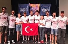 Türk gençleri 5 cm'lik mikro uydu üretti
