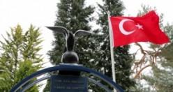 18 Mart Şehitler Günü'nde, İngiltere'deki Türk Şehitler Londra Hava Şehitliği'nde Anıldı