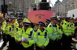 Londra'daki çevreci eylemlerde gözaltı sayısı...