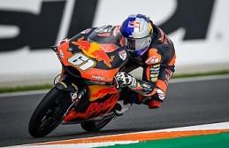 Milli motosikletçi Can Öncü İngiltere'de...