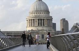 İngiltere, 2 ülkeyi karantina listesinden çıkardı