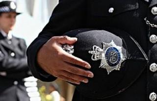 Polis 10 yaşındaki çocuğu hücreye attı