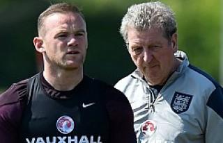 Hodgson ve Rooney'den taraftarlara mesaj!