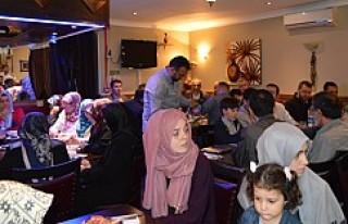 İHH-UK'den 'Gönüller Bir Olsun' İftarı