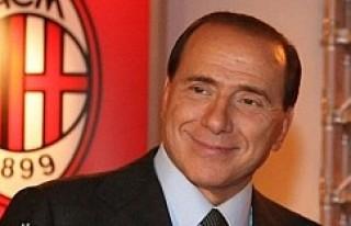 Berlusconi: AC Milan'ı Çinlilere sattım
