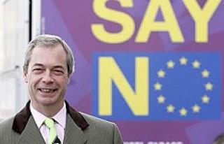 Brexit kampanyasının öncüsü UKIP lideri Farage...