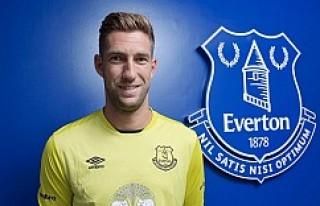 Everton, Stekelenburg'u transfer etti