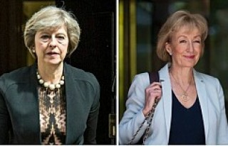 """İngiltere'deki başbakanlık yarışında """"annelik""""..."""