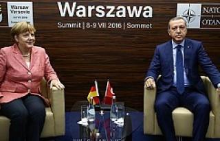 'Soykırım' krizi sonrası Merkel ile ilk...