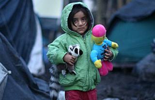 Fransa'daki mülteci kampı boşaltıldı, yüzlerce...