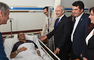 Kılıçdaroğlu, Bülent Tezcan'ı hastanede...