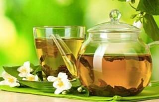 Yeşil çay gerçekten zayıflatıyor mu?
