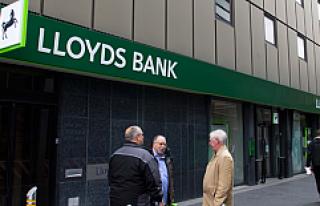 İngiliz bankası 49 şubeyi kapatıyor, 520 kişi...