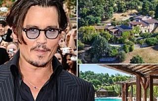 Johnny Depp ikinci evini sattı