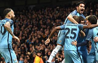 Manchester City'nin, 3 golünden 2'si İlkay...