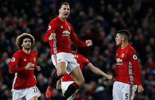 Manchester United'a 1 puanı Ibrahimovic getirdi