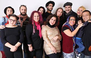 Manchester Türkçe tiyatro 'Ah Şu Gençler'