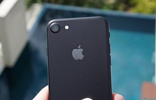 Mat Siyah iPhone 7 kullanıcıları şikayetçi