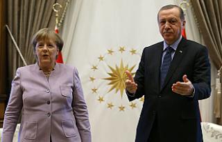 Merkel, FETÖ'cülerin iadesi için konuştu
