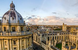 Oxford Üniversitesi 700 yıl sonra yurtdışında...