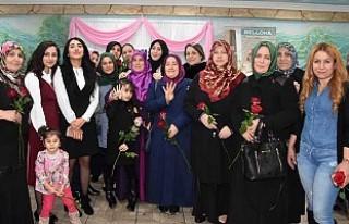'Kadınlar Günü'nde UETD'den Kutlama...