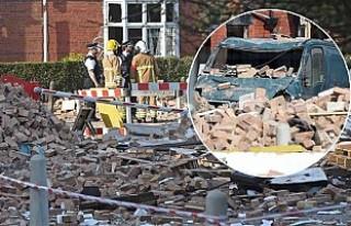 İngiltere'de büyük patlama, çok sayıda yaralı...