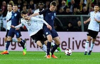 Podolski'nin veda maçında Almanya İngiltere'yi...