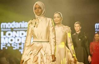 Muhafazakar Moda Trendlerinin Londra Defilesi