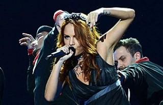 Türkiye'de tatil yapan ünlü şarkıcı MakSim...