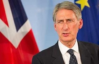 Başbakan May ile ters düşen bakandan Brexit çıkışı!