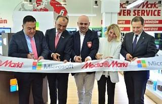 Microsoft Türkiye'de ilk mağazasını Ankara'da...