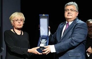 Nazım Hikmet Dostluk Ödülü, Rus Büyükelçi Karlov'un
