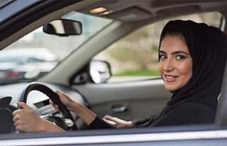 Suud Prens'ten kadın sürücülere 'Deve'li...