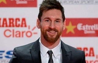 Barcelona, Messi'nin sözleşmesini 2021 yılına...