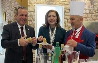 Dünya Turizm Fuarı'nda KKTC ve Türkiye Tanıtıldı