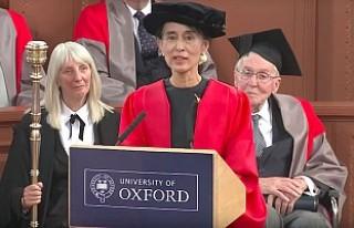 Oxford, Myanmar lideri Suu Çii'ye verdiği nişanı...
