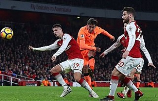 Arsenal ile Liverpool puanları paylaştı