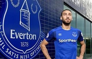 Everton, Cenk Tosun'un Formalarını 370 Liradan...