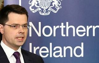 Kuzey İrlanda Bakanı istifa etti