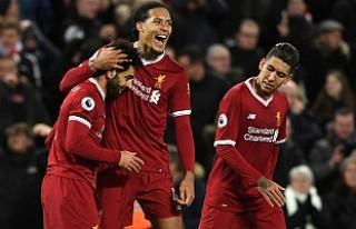 Liverpool - Tottenham Maçında Yan Hakem Penaltı...