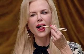 Nicole Kidman bir tabak dolusu kurtçuk yedi