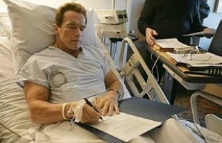 Arnold Schwarzenegger kalp ameliyatı geçirdi